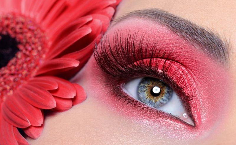 https: img.okezone.com content 2020 12 21 611 2331339 beautypedia-apa-itu-eyeshadow-kenali-juga-fungsinya-ladies-mxSDcFCd62.jpg