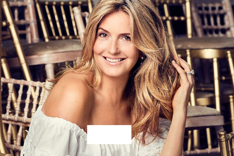 https: img.okezone.com content 2020 12 21 620 2331751 penny-lancaster-model-lingerie-yang-putuskan-jadi-polisi-di-usia-50-tahun-P6zoVK2Chg.jpg