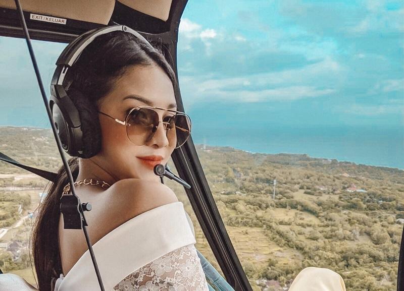 https: img.okezone.com content 2020 12 22 194 2331849 cantiknya-anya-geraldine-naik-helikopter-netizen-sigap-nunggu-di-loteng-haWzNiG9n7.jpg