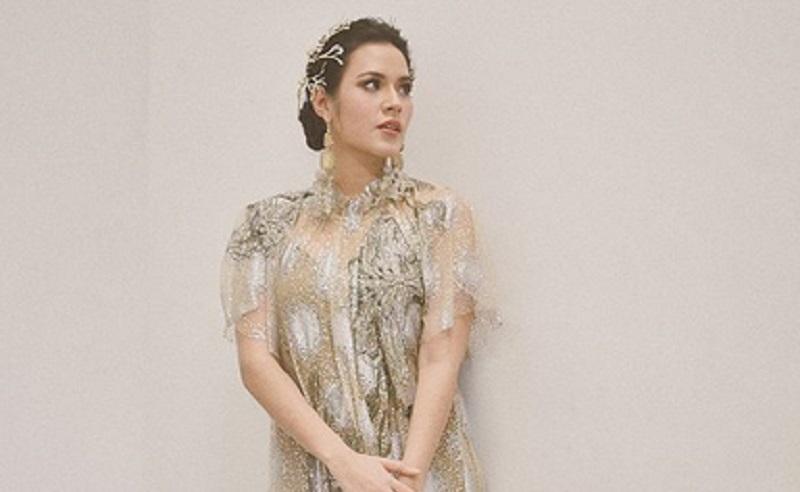 https: img.okezone.com content 2020 12 22 194 2332210 masuk-daftar-wanita-tercantik-dunia-intip-adu-gaya-raisa-dan-natasha-willona-H2Vu3j3VLL.jpg