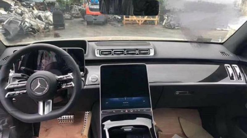Mercedes-Benz Siapkan Layar Sentuh Hiper : Burkelandya Otomotif