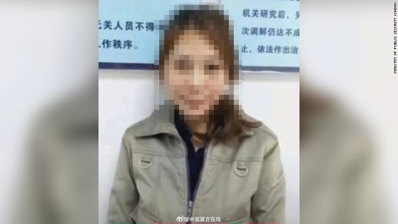 https: img.okezone.com content 2020 12 23 18 2332712 bunuh-7-orang-buron-selama-20-tahun-wanita-ini-akhirnya-diadili-O1OFNmyZOC.jpg