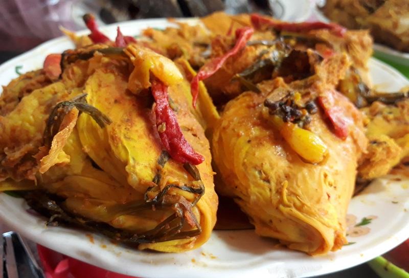https: img.okezone.com content 2020 12 23 298 2332730 arsik-ikan-mas-hidangan-natal-khas-batak-yang-melegenda-UJznPU6BZA.jpg