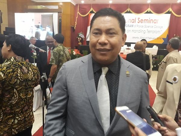 Jokowi Lantik Irjen Petrus jadi Kepala BNN-Hartono Kepala ...