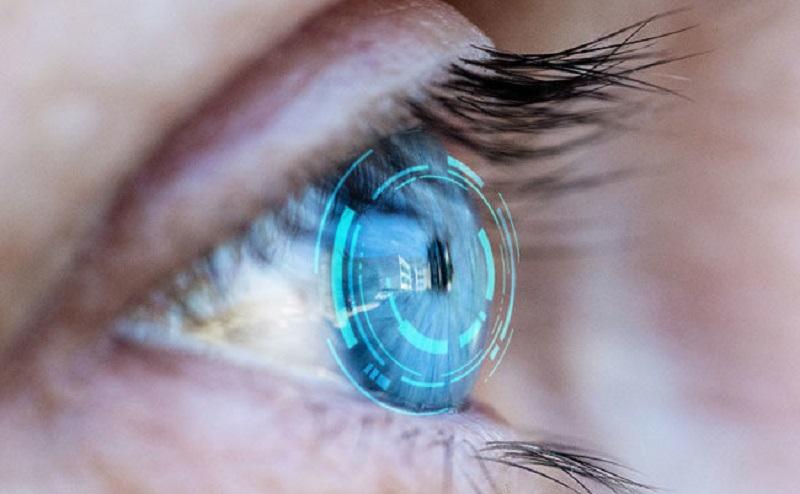 https: img.okezone.com content 2020 12 23 611 2332806 beautypedia-mengenal-jenis-jenis-lensa-kontak-MAILhXVifn.jpg