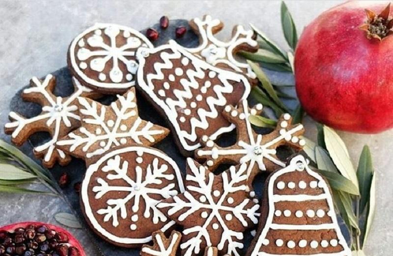 https: img.okezone.com content 2020 12 24 298 2333535 6-makanan-tradisional-khas-natal-dari-berbagai-negara-di-dunia-TtwlBbNkve.jpg