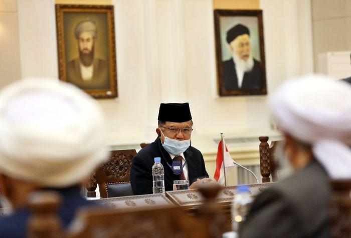 https: img.okezone.com content 2020 12 24 337 2333186 jk-ajak-ulama-indonesia-terlibat-dalam-upaya-perdamaian-di-afghanistan-OoCuUNypEF.jpg