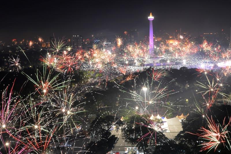 https: img.okezone.com content 2020 12 24 406 2333220 daftar-lokasi-wisata-di-dki-jakarta-yang-tutup-saat-libur-nataru-2021-5C1VGsLpHk.jpg