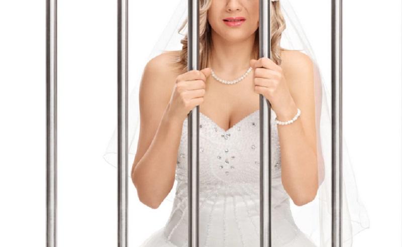 https: img.okezone.com content 2020 12 24 612 2333260 perempuan-ini-pura-pura-kanker-demi-dapat-uang-untuk-pesta-pernikahan-dG7MhtzKA9.jpg