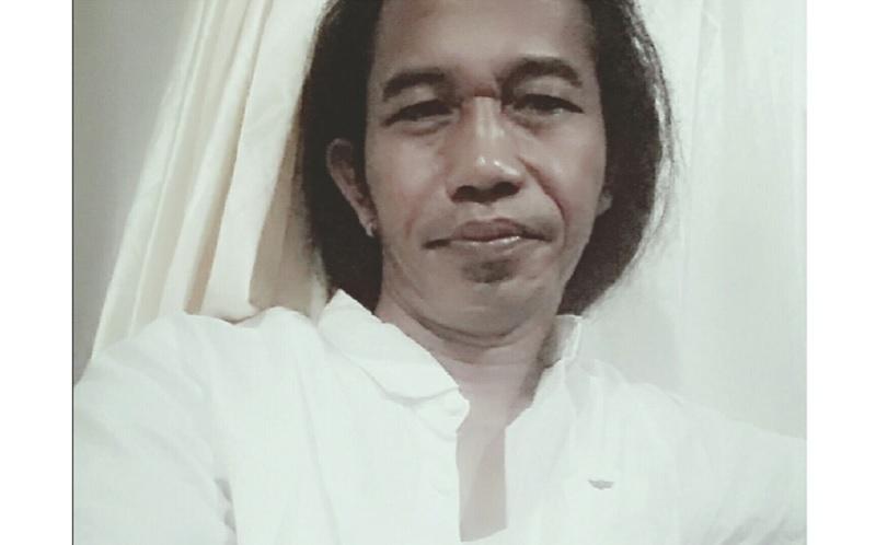 https: img.okezone.com content 2020 12 24 612 2333375 viral-5-foto-bukti-imron-gondrong-mirip-presiden-jokowi-i5pvXKjVye.jpg