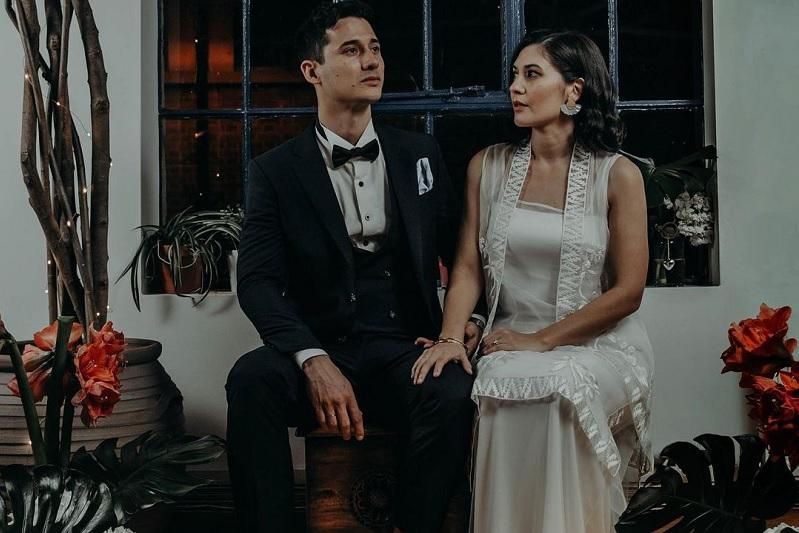 https: img.okezone.com content 2020 12 24 620 2333322 hannah-al-rashid-nino-fernandez-banjir-selamat-usai-umumkan-pernikahan-l0lN9Vjf2H.jpg