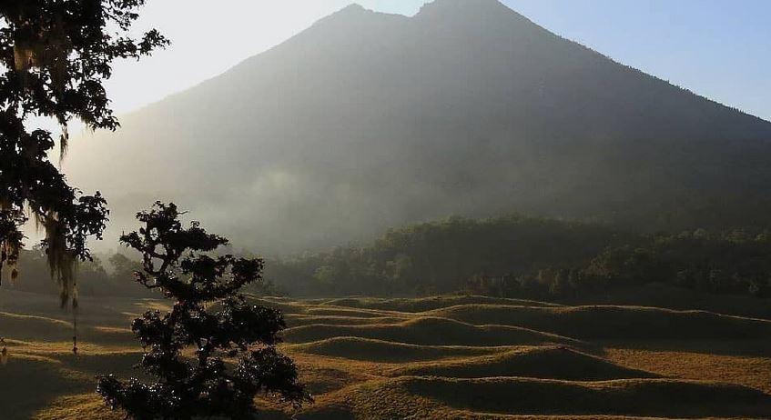 https: img.okezone.com content 2020 12 25 406 2333812 4-wisata-gunung-yang-ditutup-menjelang-tahun-baru-2021-e1XIdfdMjG.JPG