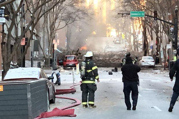 https: img.okezone.com content 2020 12 26 18 2333992 ledakan-guncang-kota-nashville-as-4-mobil-terbakar-ztviqxCCnD.jpg
