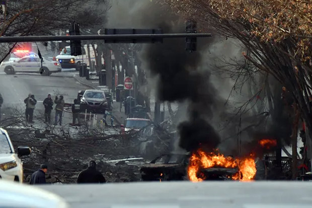 https: img.okezone.com content 2020 12 26 18 2333995 ledakan-di-nashville-as-akibatkan-3-orang-terluka-polisi-selidiki-zMgRTVL5UW.jpg