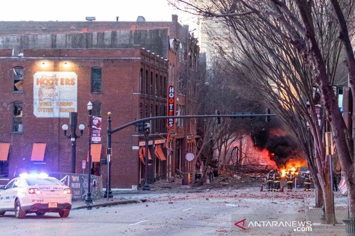 https: img.okezone.com content 2020 12 26 18 2334041 foto-penampakan-ledakan-dahsyat-di-kota-nashville-340xblGNcF.jpg