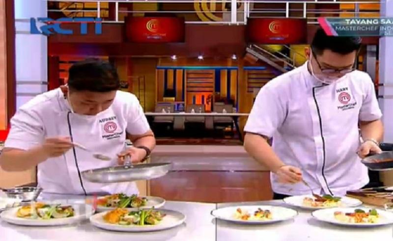 https: img.okezone.com content 2020 12 26 612 2334260 grand-final-masterchef-indonesia-2020-ronde-3-jerry-sebut-hidangan-audrey-bikin-eneg-yzp0DuD1Iw.jpg