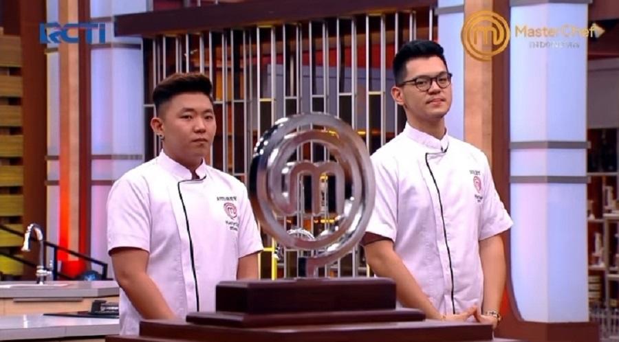 https: img.okezone.com content 2020 12 27 298 2334408 persaingan-di-grand-final-top-2-masih-ketat-chef-arnold-bocorkan-pemenang-masterchef-indonesia-season-7-quu0JBaMnw.jpeg