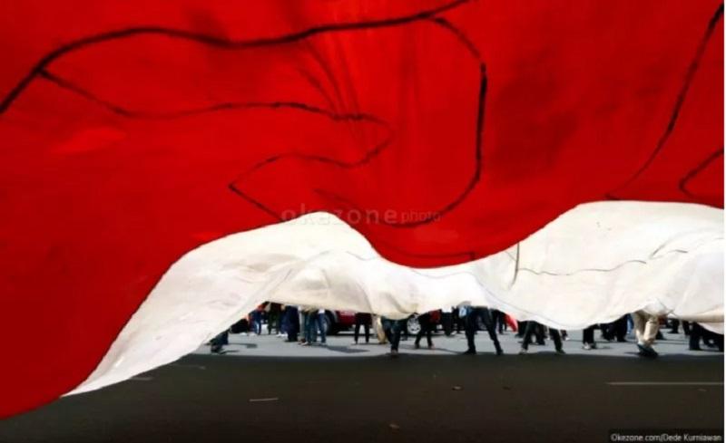 https: img.okezone.com content 2020 12 27 337 2334506 viral-parodi-lagu-indonesia-raya-mabes-polri-akan-ambil-langkah-hukum-tluEL8zbhv.jpg