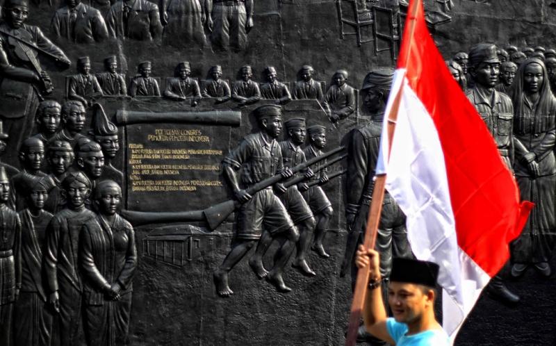 https: img.okezone.com content 2020 12 27 337 2334642 lagu-indonesia-raya-diparodikan-otoritas-malaysia-lakukan-penyelidikan-XmPy9961nB.jpg