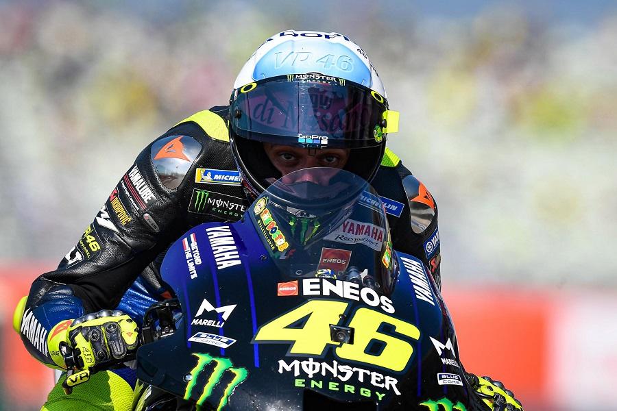 Tengah Terpuruk, Valentino Rossi Tetap Senang dengan Kariernya di MotoGP  : Burkelandya Olagraga