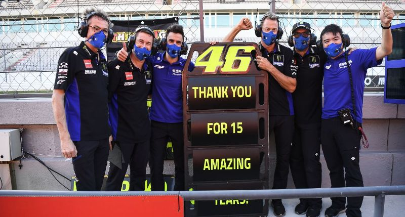 Biasa Saja, Valentino Rossi Tak Khawatir Terdepak dari Tim Pabrikan Yamaha : Burkelandya Olagraga
