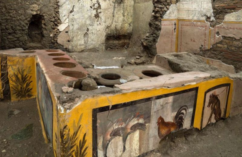 https: img.okezone.com content 2020 12 28 406 2334828 penampakan-restoran-cepat-saji-favorit-penduduk-romawi-kuno-usianya-2-000-tahun-4Vkk3NdIJU.jpg