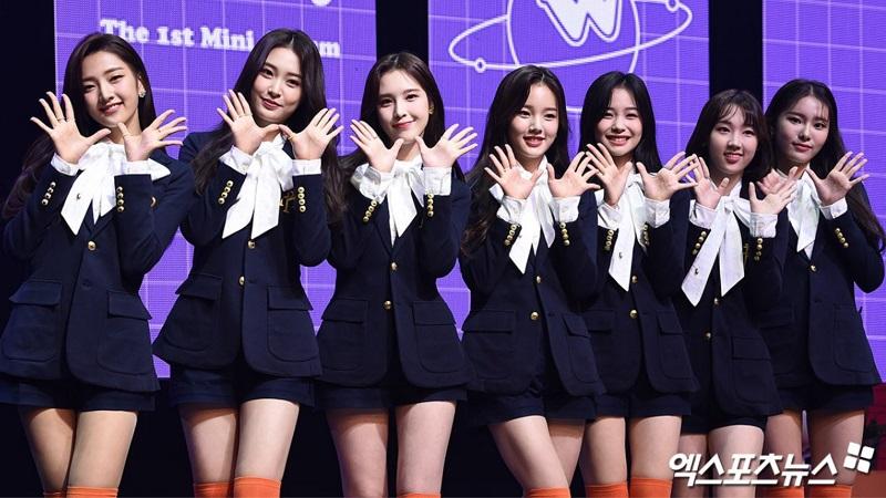 https: img.okezone.com content 2020 12 29 205 2335616 kaleidoskop-2020-daftar-girl-group-k-pop-yang-debut-di-tengah-pandemi-part-1-C6RfzgrOPT.jpg