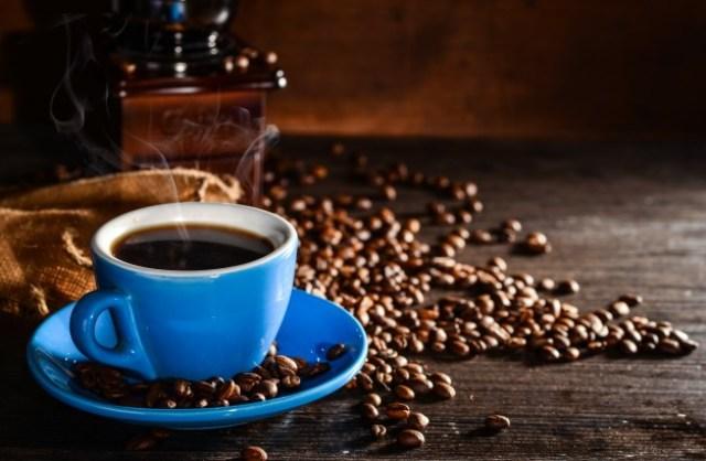 https: img.okezone.com content 2020 12 29 298 2335886 4-makanan-yang-cocok-untuk-teman-minum-kopi-dijamin-ketagihan-vWmgpBTmcg.jpg