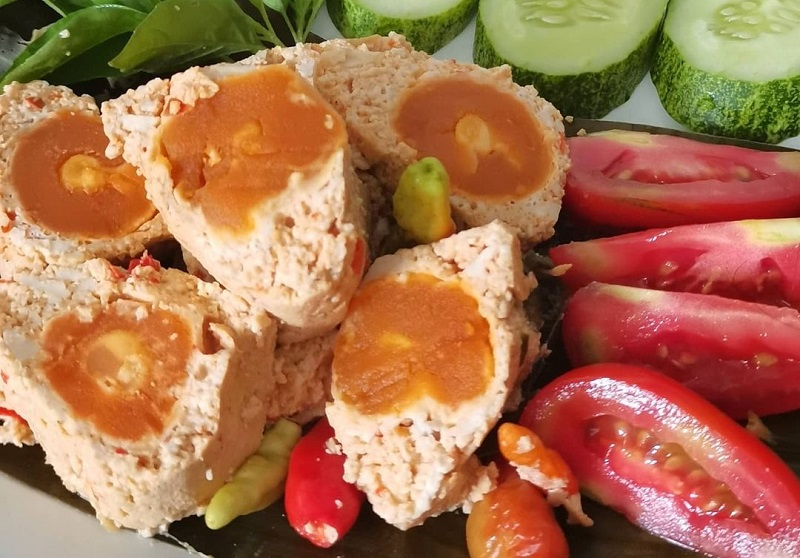 https: img.okezone.com content 2020 12 29 298 2335951 resep-pepes-telur-asin-untuk-menu-makan-siang-praktis-dan-lezat-jyPsFUsDaH.jpg