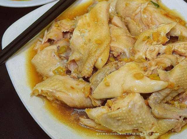 https: img.okezone.com content 2020 12 29 298 2335953 yuk-bikin-ayam-rebus-spesial-hidangan-lezat-yang-cocok-untuk-diet-SO9IalQINe.jpg