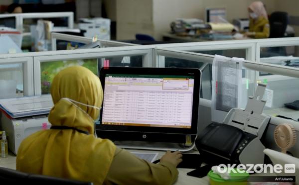 https: img.okezone.com content 2020 12 29 320 2335586 reformasi-birokrasi-ada-38-398-pns-dialihkan-dari-jabatan-struktural-ke-fungsional-JevIYviYUk.jpg