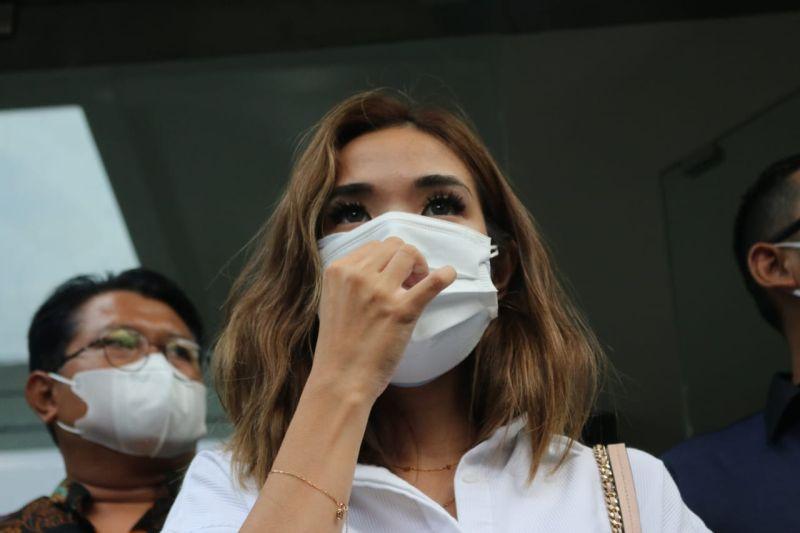 Akankah Gisel dan MYD Segera Ditahan Polisi? : Burkelandya Celebrity