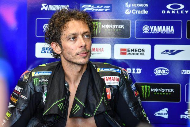 Gabung Tim Satelit, Valentino Rossi Tetap Punya Tugas Penting untuk Yamaha : Burkelandya Olagraga