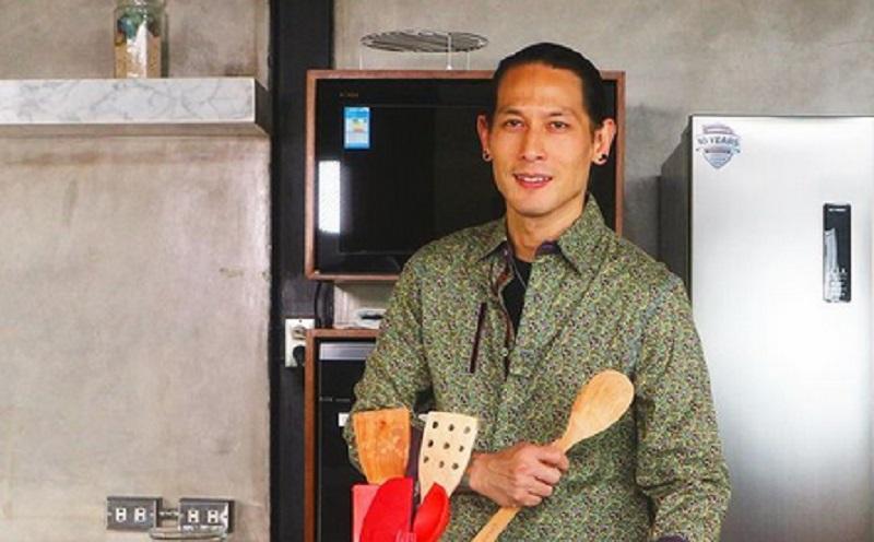 https: img.okezone.com content 2020 12 29 612 2335377 chef-juna-bingung-netizen-anggap-dirinya-tak-galak-lagi-di-masterchef-indonesia-x6D1q92eIf.jpg