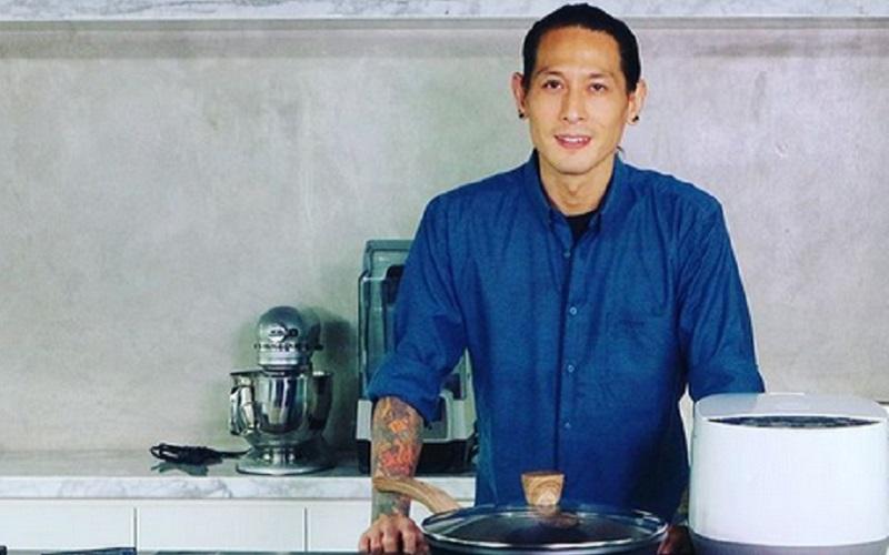 https: img.okezone.com content 2020 12 29 612 2335627 chef-juna-tak-setuju-kontestan-masterchef-season-7-dinilai-kurang-kemampuannya-fAfsl6i7qq.jpg