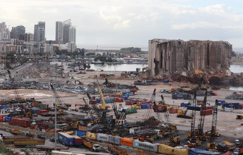 https: img.okezone.com content 2020 12 30 18 2336382 pm-lebanon-fbi-temukan-500-ton-bahan-kimia-penyebab-ledakan-pelabuhan-beirut-QB0z94WO8G.jpg