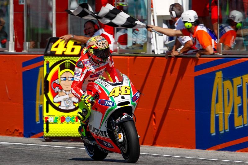 Eks Mekanik Ungkap Alasan Valentino Rossi Terima Pinangan Ducati  : Burkelandya Olagraga