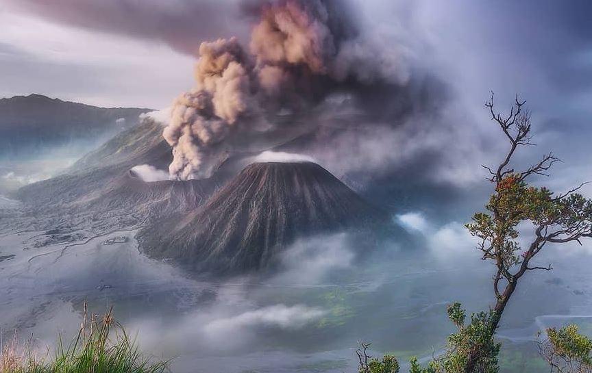 https: img.okezone.com content 2020 12 30 406 2336339 gunung-semeru-ditutup-total-hingga-maret-2021-MHjvTxaPiN.JPG