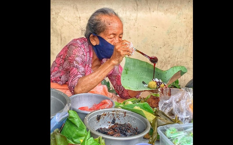 https: img.okezone.com content 2020 12 31 301 2337061 libur-tahun-baru-di-yogyakarta-5-kuliner-ini-wajib-diburu-Kv0Z368FRR.jpg