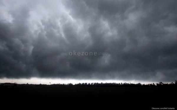 Waspada Hujan Lebat di Malam Tahun Baru, BNPB: Rayakan di Rumah Saja : Burkelandya News