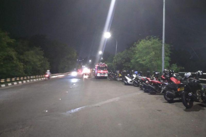 Malam Tahun Baru, Perbatasan Jaksel hingga Depok Dijaga Ketat Polisi : Okezone Megapolitan