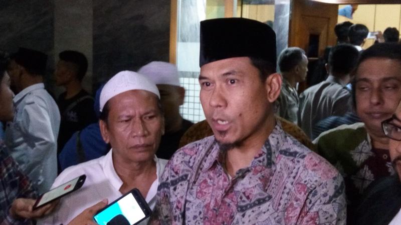 FPI Ormas Terlarang, Munarman: Tidak Berdasar Hukum karena Aturan Pelarangan Hanya untuk Ormas Berbadan Hukum : Burkelandya News