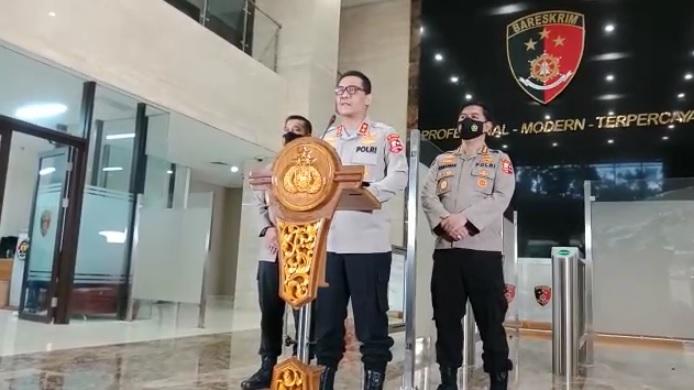 https: img.okezone.com content 2021 01 01 337 2337355 pembuat-parodi-lagu-indonesia-raya-berusia-16-tahun-ditangkap-di-cianjur-OFuG5k0tol.jpg