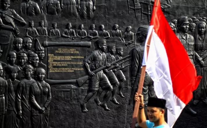 https: img.okezone.com content 2021 01 01 337 2337389 kronologi-penangkapan-2-pelaku-pembuat-parodi-lagu-indonesia-raya-VhCsKMCwke.jpg