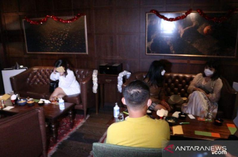 Permalink to Nekat Gelar Pesta Tahun Baru, Bar di Sudirman Jakpus Disegel : Okezone Megapolitan