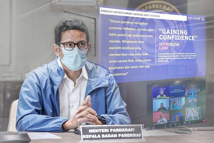 https: img.okezone.com content 2021 01 01 406 2337429 sandiaga-uno-ingin-kembangkan-wisata-kemanusiaan-di-indonesia-CICueAQ04W.jpg