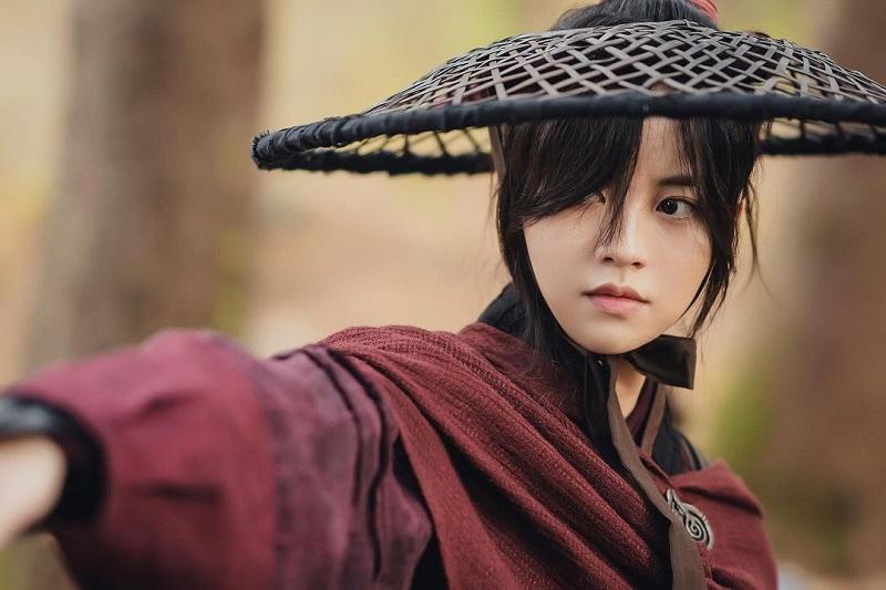 https: img.okezone.com content 2021 01 02 206 2337555 kim-so-hyun-jadi-prajurit-wanita-dalam-teaser-river-where-the-moon-rises-woabg0A8EM.jpg