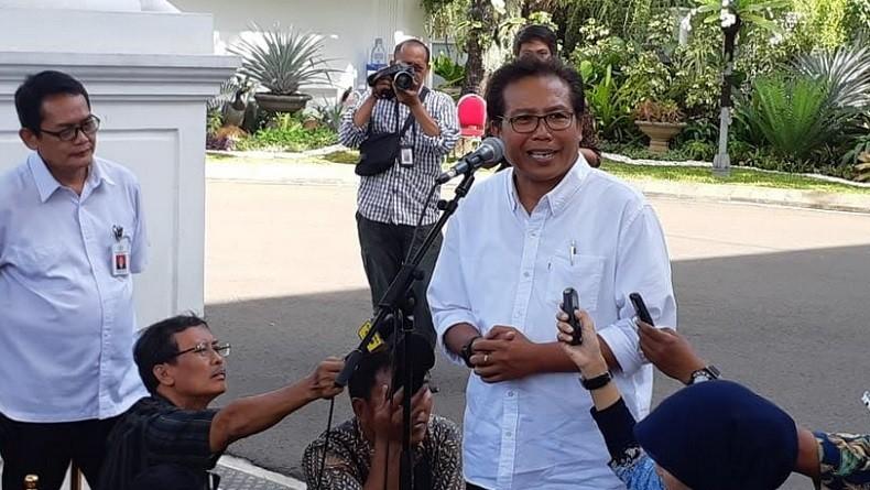 https: img.okezone.com content 2021 01 02 337 2337584 jubir-presiden-indonesia-mampu-bangkit-dengan-gotong-royong-pfsSSEXnRu.jpg