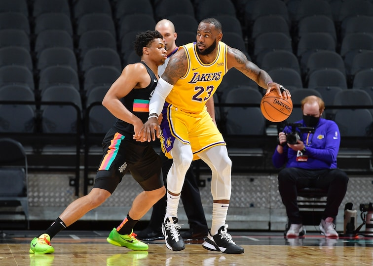 https: img.okezone.com content 2021 01 02 36 2337673 hasil-pertandingan-nba-2020-2021-hari-ini-heat-dan-warriors-kalah-lakers-menang-4zFbgYTDGO.jpg