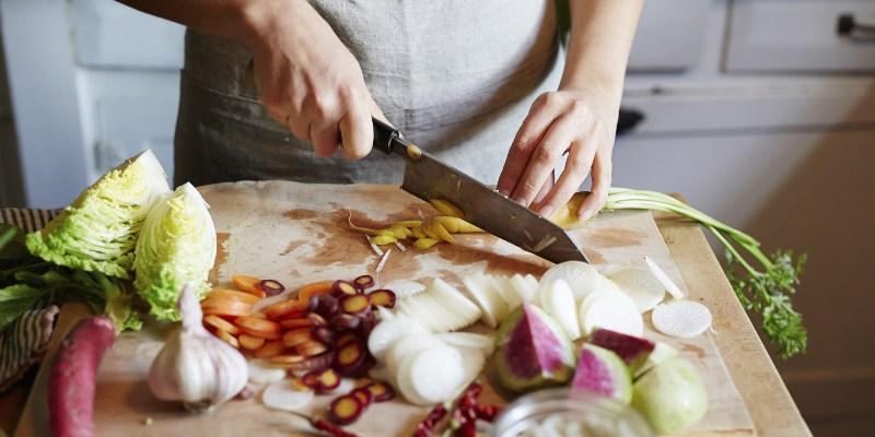 https: img.okezone.com content 2021 01 03 298 2338136 resep-masakan-baked-rice-nasi-kekinian-yang-lezat-dan-gampang-dibuat-qgXpH5pIbL.jpg